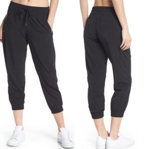Zella Out & About Cropped Jogger Capri Black Size Small